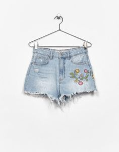 Denim shorts with embroidered flowers - Shorts - Bershka