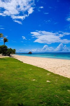The coastline at the Bali Village Clubhouse. Photo by Bubuy Balangue of Studio B. Balesin Island, Places Around The World, Around The Worlds, Philippines, Bali, Golf Courses, Beautiful Places, Studio, Photos