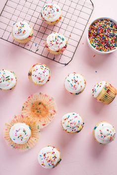 Funfetti Cupcake Recipe, Cupcake Recipes, Cupcake Cakes, Dessert Recipes, Rose Cupcake, Poke Cakes, Picnic Recipes, Layer Cakes, One Bowl Vanilla Cake Recipe