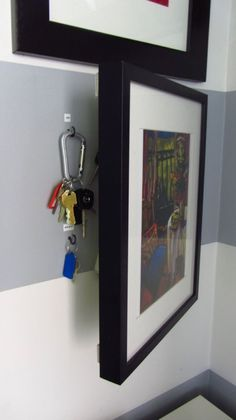 Un tableau pour dissimuler le rangement des clés
