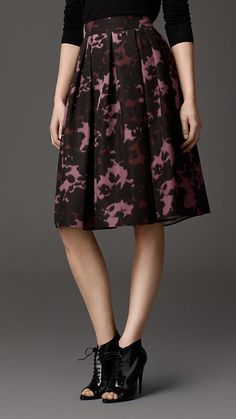 Burberry London Abstract Graphic Print Silk Skirt