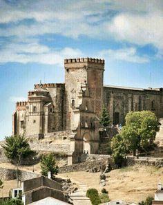 El castillo de Aracena se erigió en el siglo XIII, en la época islámica, sobre una antigua fortaleza musulmana. Aracena, Huelva. España.