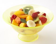 Fresh Fruit and Mint Salad: Combine springs first strawberries with winter fruit standouts like mango, banana and orange for a fresh, colorful salad. Dress the salad with orange liqueur, honey and mint. Winter Fruit Salad, Fresh Fruit Salad, Mint Salad, Fruit Salad Recipes, Fruit Salads, Food Fresh, Dessert Recipes, Fresh Fresh, Fruit Fruit