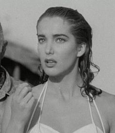 Creature from the Black Lagoon -- Julie Adams. I saw all three creature pictures within days of each other (possibly hours!) and they all blurred together into a single saga. Julie Adams, Sci Fi Horror Movies, Classic Horror Movies, Horror Icons, Adrienne Ames, Creature Picture, Black Lagoon, Classic Monsters, Weird Science