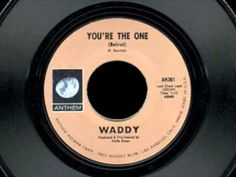 """WADDY ((WACHTEL)) """"You're The One"""" Mono/Stereo 1973 Anthem. Produced by KEITH OLSEN (Music Machine, Millennium) & released on his label. LINDSEY BUCKINGHAM played on the session & still friends. Waddy moved TWICE NICELY to LA in 1968 & session work led to him joining the COWSILLS for their killer """"On My Side""""lp. He wrote on their lp & continued other session work. Barry & John Cowsill got back together w/BILL COWSILL+ WADDY they formed BRIDEY MURPHY & this 45 shortly after.. Listen on…"""