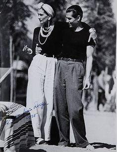 Coco Chanel and Serge Lifar - 1937 - Lido Beach, Venice - Photo by Jean Moral Be . - Coco Chanel and Serge Lifar – 1937 – Lido Beach, Venice – Photo by Jean Moral Visit our shop - 1930s Fashion, Retro Fashion, Vintage Fashion, Petite Fashion, Retro Mode, Vintage Mode, Moda Chanel, Chanel Chanel, Chanel Pearls