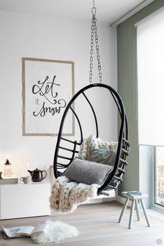 #WestwingNL. Hangende stoel. Voor meer inspiratie: westwing.me/shop