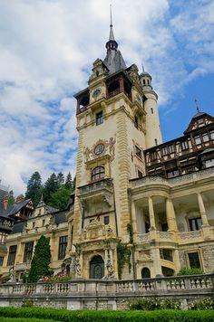 Peles Castle, Romania, Transylvania, www.romaniasfriends.com Bulgaria, Romanian Castles, Great Places, Places To Go, Renaissance, Fantasy Castle, Castle Ruins, Amazing Buildings, European Tour