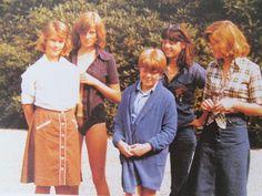 Lady Diana Spencer and family Spencer Family, Lady Diana Spencer, Princess Diana Pictures, Princess Diana Family, Princess Charlotte, Princess Of Wales, Royal Princess, Elizabeth Ii, The Heir