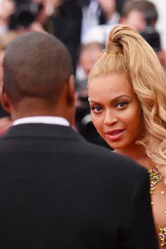 Pin for Later: Beyoncé Debuts Lemonade, Ends Up Serving Tea Instead