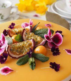 The most delicious passion vanilla cheesecake of the spring. Kevään herkullisin passion-vaniljajuustokakku