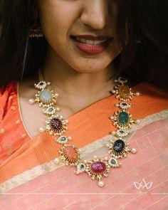 Jewelry OFF! Stunning Diamond Navratna Necklace From Aarni By Shravani ~ South India Jewels Diamond Jewelry, Gold Jewelry, Fine Jewelry, Gold Necklaces, Antique Jewellery, Trendy Jewelry, Gothic Jewelry, Jewelry Bracelets, Art Deco Jewelry