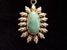 Pendentifs édition limitée P1010151 Turquoise, Gemstone Rings, Brooch, Pendant Necklace, Gemstones, Serti, Jewelry, Jewelry Ideas, Pendant