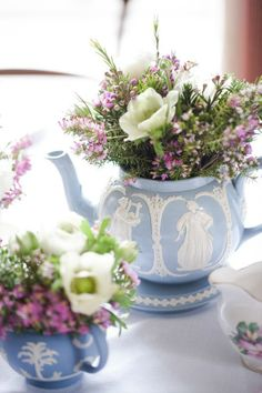 Lovely arrangement in a beautiful Wedgewood teapot Love Flowers, Beautiful Flowers, Wedding Flowers, Lavender Flowers, Raindrops And Roses, Vibeke Design, Wedgwood, Floral Arrangements, Tea Party