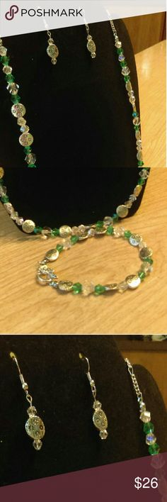 Handmade bracelet, earrings and necklace Green and silver beaded necklace, bracelet and earrings. Jewelry Necklaces