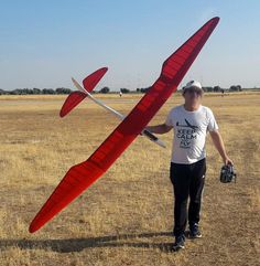 Paper Airplane Models, Model Airplanes, Paper Models, Rc Plane Plans, Rc Glider, Color Plan, Cool Inventions, Vintage Models, Gliders