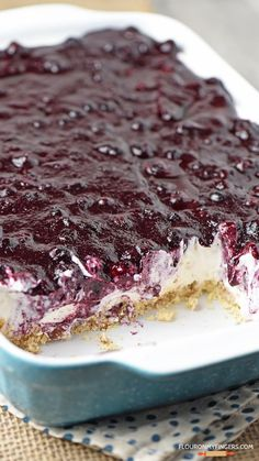 Irresistible, easy, no bake blueberry cream pie! Whip up dessert in no time with this recipe from scratch. Irresistible, easy, no bake blueberry cream pie! Whip up dessert in no time with this recipe from scratch. Easy Blueberry Desserts, Blueberry Yum Yum, Blueberry Delight, Blueberry Cream Pies, 13 Desserts, Blueberry Cobbler, Blueberry Picking, No Bake Blueberry Cheesecake, Easy Cream Cheese Desserts