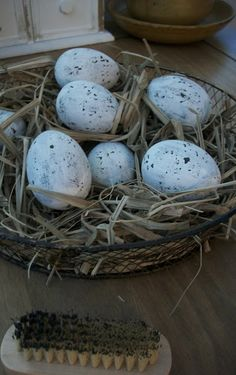 Our Pioneer Homestead: Primitive Spring Craft Of The Day~ Speckled Eggs