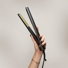The HOT TOOLS Evolve's titanium plate provides even heat distribution, high durability and a smooth surface for the ultimate, frizz-free shine. ⚡️ Shop now! Professional Flat Irons, Hot Tools Professional, Schwarzkopf Professional, Perfect Curls, Shiny Hair, Black Gold, Hair Care, Surface, Smooth