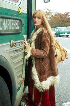 Robin Wright in Forrest Gump, I never realized the princess bride was in Forrest Gump