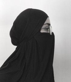 Niqab Fashion, Muslim Fashion, Fashion Outfits, Girl Hijab, Hijab Outfit, Muslim Girls, Muslim Women, Beautiful Dress Designs, Islamic Girl