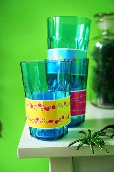 Jedes Kind bekommt ein anderes Dekoklebeband um sein Glas, um es wiederzuerkennen. Natürlich kann man auch die Namen darauf schreiben burdafood.net/Jan-Peter Westermann http://www.daskochrezept.de/meine-familie-und-ich