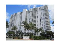 2801 NE 183 ST # 1707W, AVENTURA, FL 33160 *$216,500* Spacious 2 bedroom, 2 bathroom waterfront condo in desireable Aventura. Secure building offers pool, gym, tennis courts and laundry facility. FOR MORE PICTURES OR INFORMATION ON THIS OR OTHER APPROVED SHORT SALE PROPERTIES, CLICK ON THE reotop10.com LINK JUST BELOW.