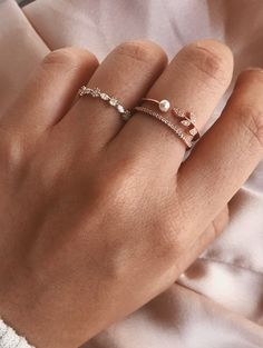 Rose Gold Engagement Rings for women carat t. diamond ring Gift Box Authenticity cards Riviera Shank (G, SI) (Ring Size – Fine Jewelry & Collectibles Cute Jewelry, Jewelry Rings, Jewelry Accessories, Jewelry Design, Silver Jewelry, Wedding Accessories, Jewelry Ideas, Women's Rings, Silver Earrings