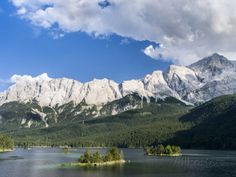 Lake Eibsee with Mt. Zugspitze, Bavaria, Germany Fotografisk trykk