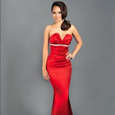 0d4de4301ebd 2014 Empire Red Bodice Long Beguiling Strapless Dress By Atria. Šaty ...
