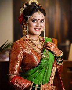 Indian Destination Wedding, Indian Wedding Planning, Wedding Planning Websites, Marathi Bride, Marathi Wedding, Saree Wedding, Velvet Saree, Brocade Saree, Woven Image
