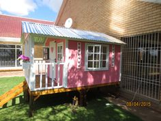 Classic Play House on stilts by Playground Wizards. Contact: sales@playgroundwizards.co.za http://www.playgroundwizards.co.za