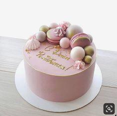 No photo description available. 40th Birthday Cake For Women, Elegant Birthday Cakes, Dad Birthday Cakes, Pretty Birthday Cakes, Pretty Cakes, Cute Cakes, Bolo Drip Cake, Drip Cakes, Cake Decorating Techniques