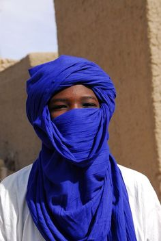 Tuareg  (alasho: blue indigo veil ) – women and men
