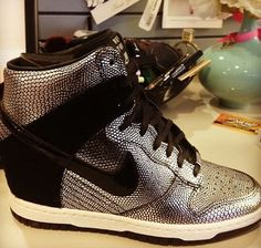 One Piece, Five Ways: The Nike Dunk Sky Hi Wedge.. yep im actually digging these. Comfy and stylish!
