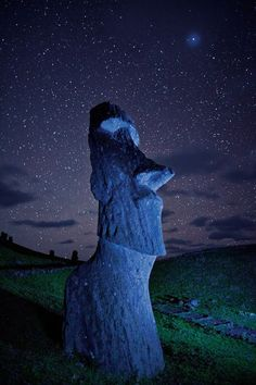 Easter Island Moai - national Geographic - Photograph by Randy Olson Places Around The World, Oh The Places You'll Go, Places To Travel, Places To Visit, Around The Worlds, Beautiful World, Beautiful Places, Belle Photo, Night Skies