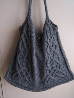 Celtic tote ... in a yarn that wouldn't felt, please!