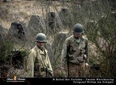 Ontmoet een soldaat uit de Tweede Wereldoorlog In deze les komt een Amerikaanse soldaat vertellen over zijn ervaringen in de oorlog. Waarom ging hij vechten, wat maakte hij mee? Van het geweer tot het eten, van alles wordt behandeld over het leven van een gewone soldaat. - See more at: http://historischhuren.nl/object/beleef-het-verleden-in-de-klas-woii/#sthash.fGSihge7.dpuf