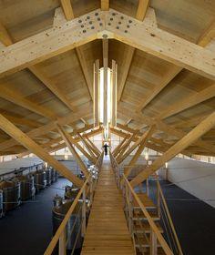 Galeria - Adega Casa da Torre / Carlos Castanheira - 5 Timber Ceiling, Timber Structure, Wood Architecture, Arch Interior, Roof Design, Civil Engineering, Torres, Beams, Timber Architecture