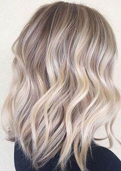 Medium Blonde Ash Wavy Layers