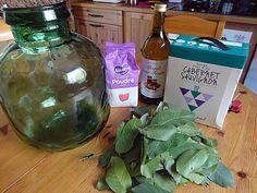Homemade Liquor, Cocktails, Liqueurs, Leaves, Drinks, Recipes, Home, Craft Cocktails, Cocktail