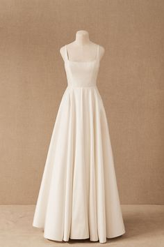 This crisp taffeta ballgown is the epitome of bridal elegance, with illusion side cutouts and a soft square neckline bringing a touch of modernity. (Plus, it has pockets! Affordable Wedding Dresses, Dream Wedding Dresses, Wedding Gowns, Prom Dresses, Fall Wedding, Civil Wedding Dresses, Red Wedding, Bridesmaid Dresses, Bridal Outfits