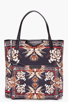 Givenchy Black Antigona Paradise Flower Tote for Women Givenchy Handbags, My Bags, Purses And Bags, Balenciaga, Pierre Balmain, Julien Macdonald, Beautiful Bags, Fashion Backpack, Cool Ideas