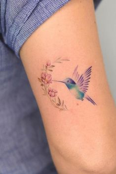 60 Adorably Small Tattoos That Prove Bigger Isn't Always Better - Page 6 of 6 - Straight Blasted Mom Tattoos, Little Tattoos, Finger Tattoos, Cute Tattoos, Beautiful Tattoos, Body Art Tattoos, Tattoos For Women, Tatoos, Hummingbird Flower Tattoos