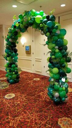 Birthday Party At Park, Jungle Theme Birthday, Dinosaur Birthday Party, Birthday Party Themes, Jungle Theme Parties, Safari Party, Balloon Decorations, Birthday Decorations, Decoration Communion