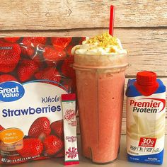 Im 99 positive this is my new favorite I used 1 premier protein 1 single serving of strawberry crush approx 34 small Protein Smoothies, Protein Snacks, Pancakes Protein, Protein Shake Recipes, Smoothie Recipes, Vanilla Protein Shakes, Fruit Smoothies, Low Carb Protein Shakes, Chocolate Protein Shakes