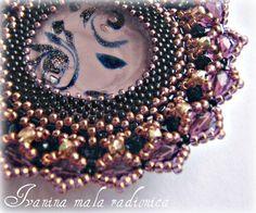Medaljon, 6cm prečnika, Murano staklo i  gomila raznih  presitnih perli ...dugo sam ga radila i onda sam se zaljubila .... u njega ....