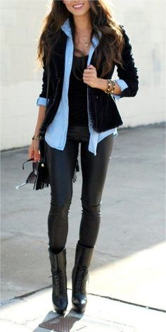 Denim shirt under black blazer and black skinnies << pant. cuero con blusa mezclilla y blazer teñido rojo TEÑIRLO NEGRO!