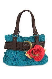 Love the colors of this Crochet purse & the belt around it.                                   BOLSOS A GANCHILLO