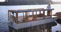 From the Minimalist Boater Website: Banjeau is a mini-houseboat I designed and built to use as a camper on the trailer and houseboat on the water. She was inspired by the boxy designs of… Small Houseboats, Trawler Boats, Tiny Boat, Shanty Boat, Boat Lift, Build Your Own Boat, Boat Stuff, Canal Boat, Floating House